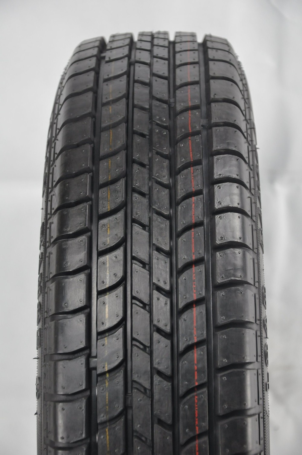 Chinese Economic PCR All Series Car Tire for Sale